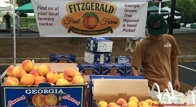 roswell-farmers-market-peaches